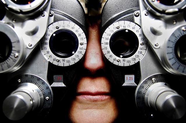 eyeglasses-679696_640.jpg
