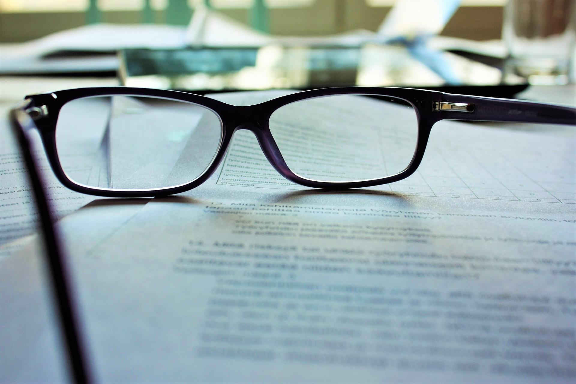 glasses-983947_1920-1.jpg