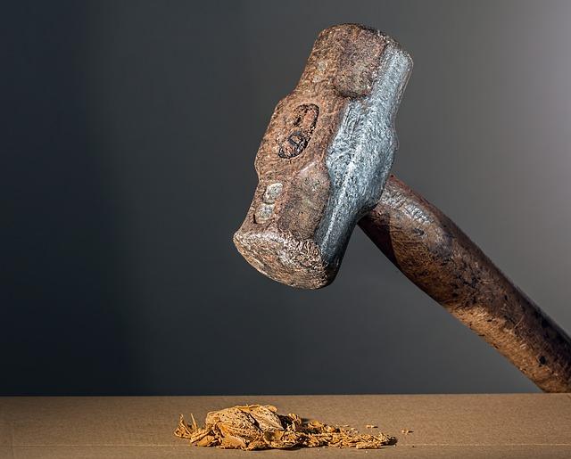 hammer-682767_640.jpg