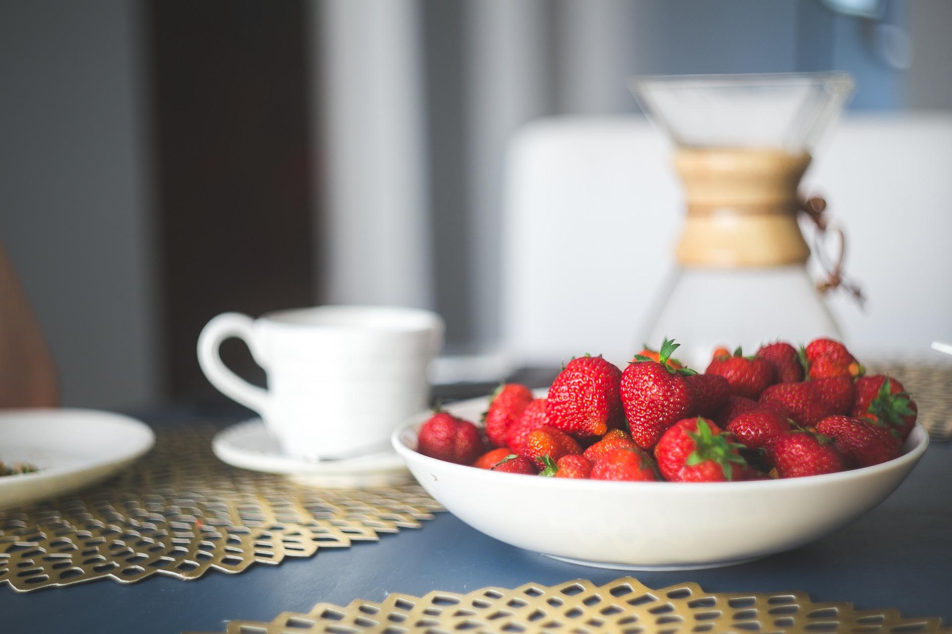 strawberries-869198_1920.jpg