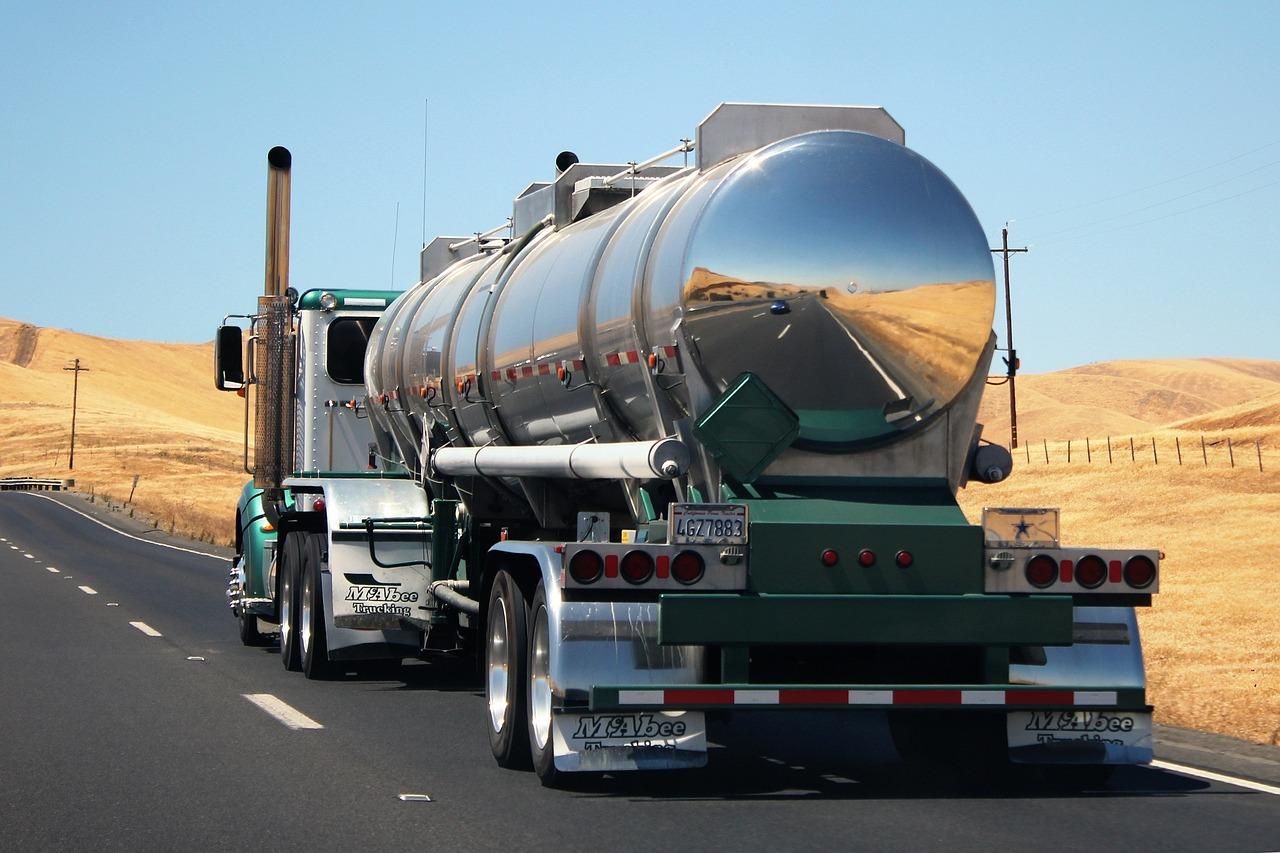 truck-1181063_1280.jpg